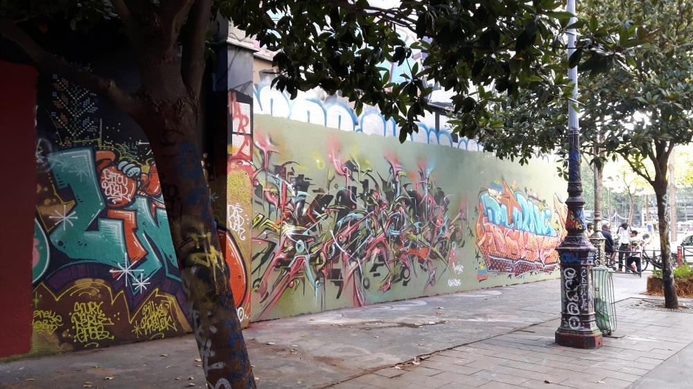 rue henri nogueres graffiti