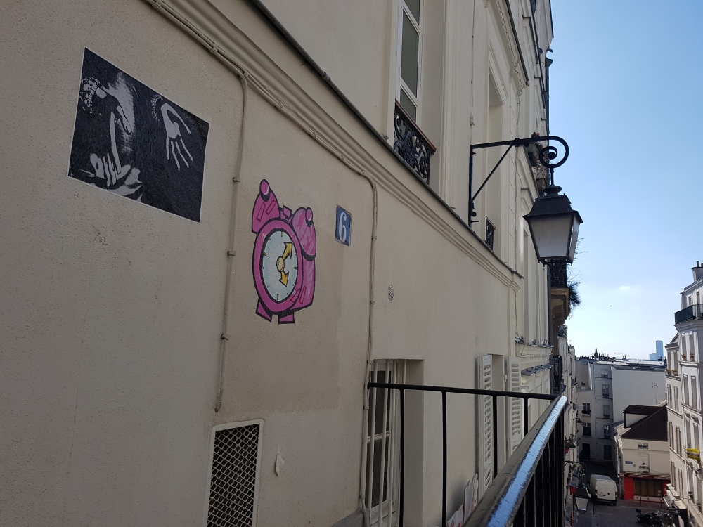 Wekup street art paris montmartre
