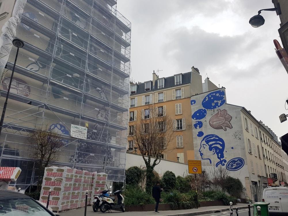 fresque rue des dames paris