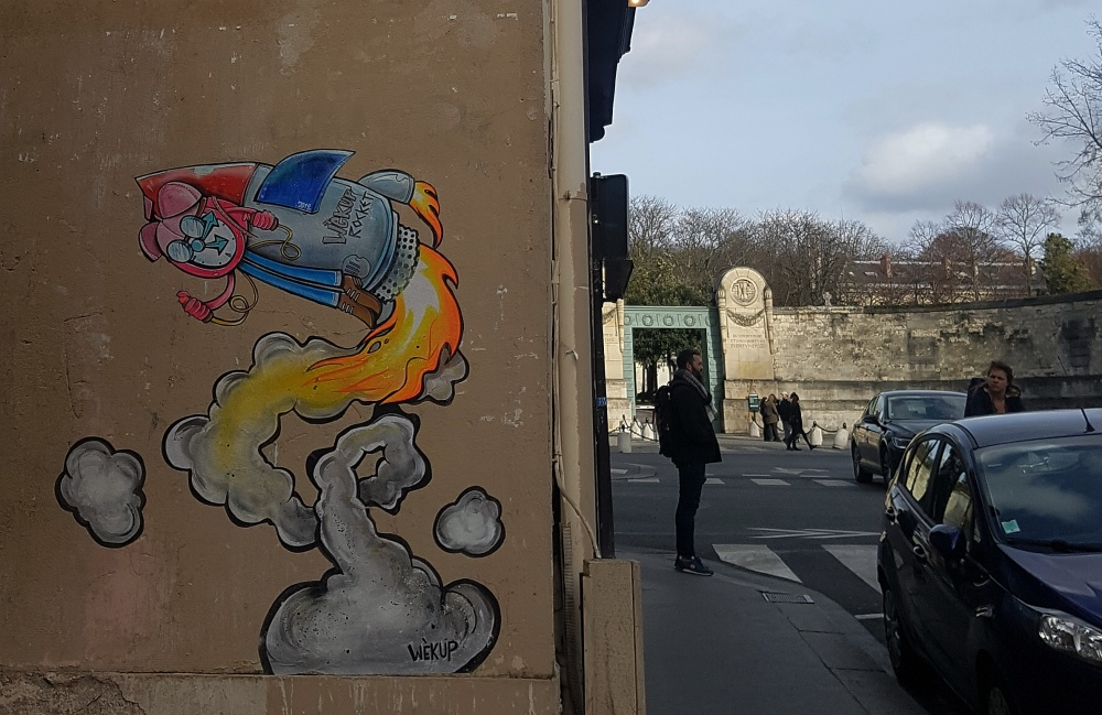 wekup graffiti paris 11